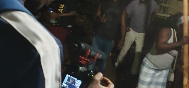 http://www-bo.franceguyane.fr/actualite/culture-et-patrimoine/puu-baaka-premier-documentaire-en-aluku-tourne-en-guyane-449020.php La montage de Puu Baaka, le premier film documentaire tourné en aluku tongo en Guyane, est achevé. L'association Chercheurs d'autres, qui travaille sur ce documentaire de 52 minutes en […]
