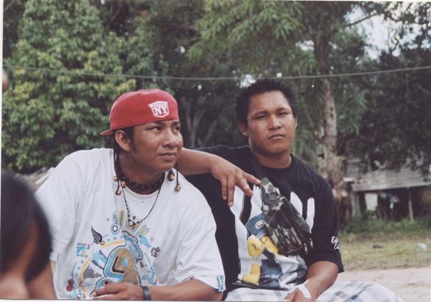 La jeunesse du fleuve : film participatif en Guyane