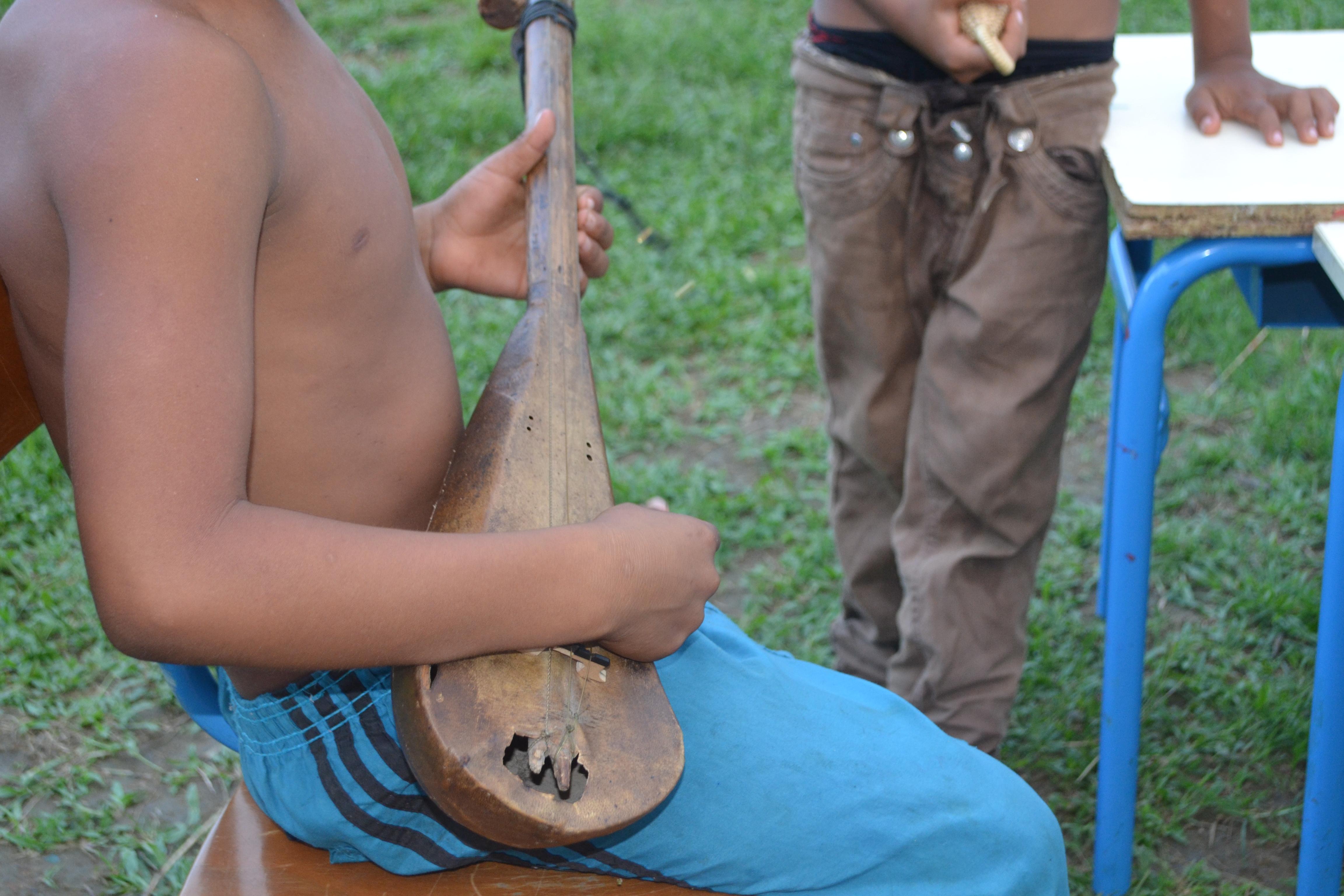 Marc Oriol, un vidéo-troubadour à Camopi